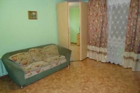 Сдается 2-комнатная квартира посуточно в Кирове, ул. Герцена, д. 64.