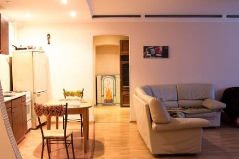 Сдается 3-комнатная квартира посуточнов Санкт-Петербурге, ул. Восстания, 40.