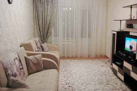 Сдается 2-комнатная квартира посуточнов Казани, Меридианная 24.