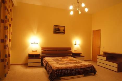 Сдается 2-комнатная квартира посуточнов Пушкине, Адмиралтейская набережная, 6.