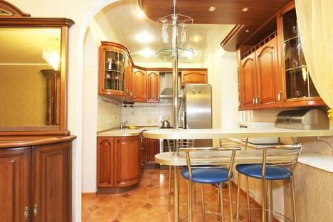 Сдается 3-комнатная квартира посуточнов Щёлкове, ул. 1-я Ямская, д. 10.