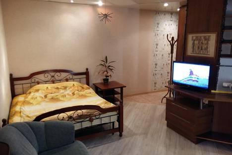 Сдается 1-комнатная квартира посуточно в Саратове, Чернышевского, 199.