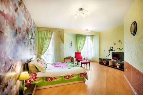 Сдается 2-комнатная квартира посуточно в Екатеринбурге, Кузнечная, 79.