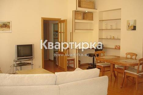 Сдается 2-комнатная квартира посуточнов Санкт-Петербурге, большая морская 10.