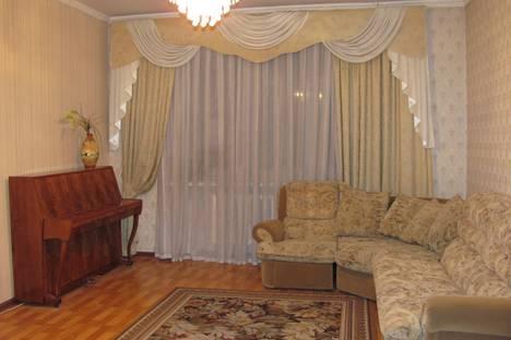 Сдается 2-комнатная квартира посуточнов Казани, Галиаскар Камала, 51.
