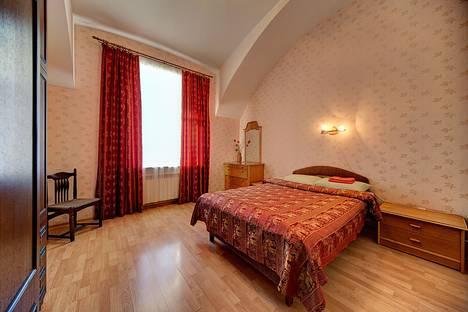 Сдается 2-комнатная квартира посуточнов Санкт-Петербурге, Шпалерная 22.