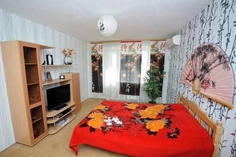 Сдается 1-комнатная квартира посуточно в Саратове, ул. Зарубина, 124.