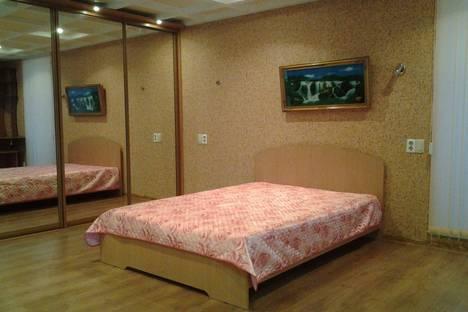 Сдается 1-комнатная квартира посуточнов Кирове, Советская 92.
