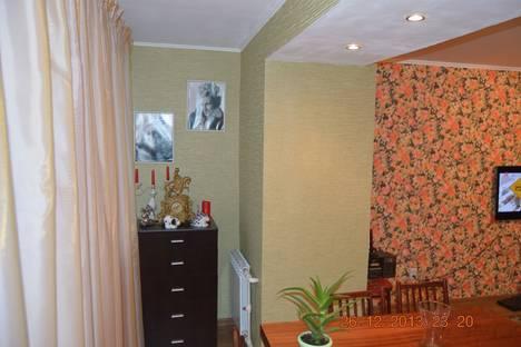 Сдается 2-комнатная квартира посуточнов Вольске, ул. Ленина, 56.