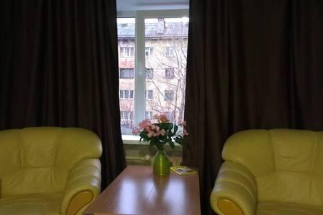 Сдается 2-комнатная квартира посуточнов Мурманске, улица Октябрьская, 27.
