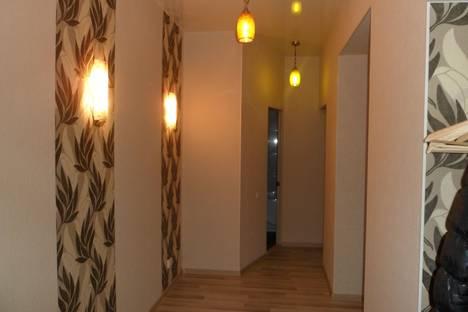 Сдается 2-комнатная квартира посуточно в Нижнем Тагиле, Вязовская 4а.