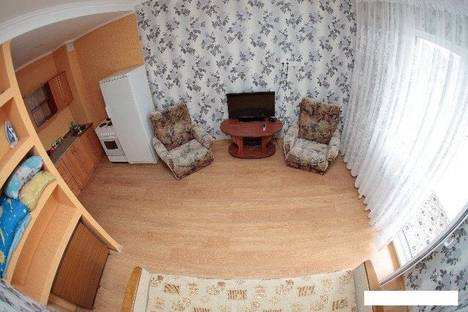 Сдается 1-комнатная квартира посуточно в Сургуте, ул. Иосифа Каролинского, 16.