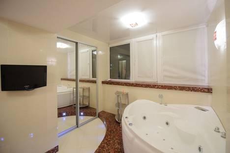 Сдается 2-комнатная квартира посуточно в Томске, ул. Розы Люксембург, 19.