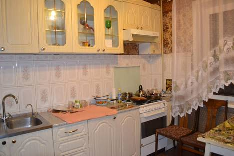 Сдается 3-комнатная квартира посуточнов Вологде, ярославская 23.