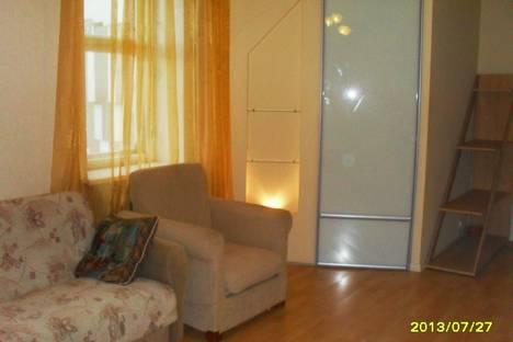 Сдается 2-комнатная квартира посуточно, ул. Островского, 17.
