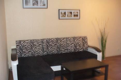 Сдается 2-комнатная квартира посуточно в Ульяновске, ул. Орлова, 15.