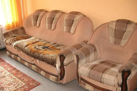 Сдается 2-комнатная квартира посуточно в Сатке, ул. Солнечная, 22.