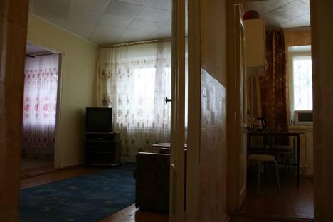 Сдается 2-комнатная квартира посуточно в Южноуральске, ул. Советской Армии, 12.