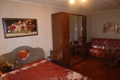 Сдается 1-комнатная квартира посуточно в Архангельске, ул. Воскресенская, 7.