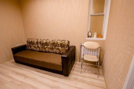Сдается 1-комнатная квартира посуточно в Курске, ул. Челюскинцев, 9.