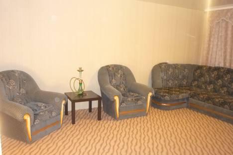 Сдается 2-комнатная квартира посуточно в Новочебоксарске, ул. Советская, 26.