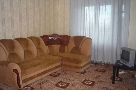Сдается 2-комнатная квартира посуточнов Новочебоксарске, Ельниковский проезд, 2(номер 4).