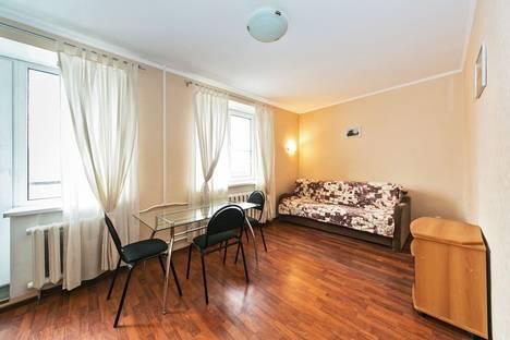 Сдается 1-комнатная квартира посуточно в Москве, ул. Шумкина, 9.
