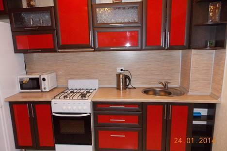 Сдается 2-комнатная квартира посуточнов Елабуге, ул. Аделя Кутуя, 3 ( 65/01 ).