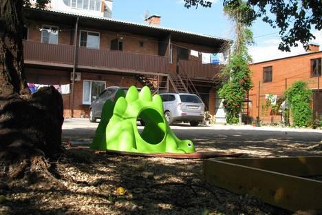 Сдается 1-комнатная квартира посуточно в Ейске, Нижнесадовая, дом 168.
