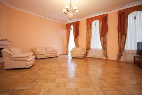 Сдается 3-комнатная квартира посуточнов Санкт-Петербурге, Реки Фонтанки набережная, 37.