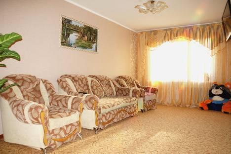Сдается 2-комнатная квартира посуточно в Рубцовске, проспект Ленина, 66.