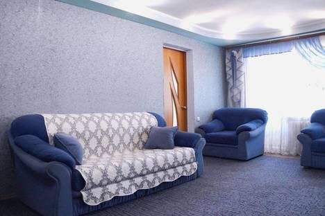 Сдается 2-комнатная квартира посуточнов Рубцовске, улица Комсомольская, 127.