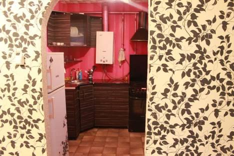 Сдается 1-комнатная квартира посуточно в Армавире, Луначарского, 406.