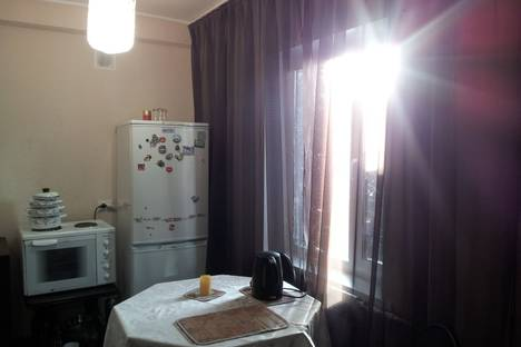 Сдается 1-комнатная квартира посуточно в Саяногорске, Ленинградский 13а.