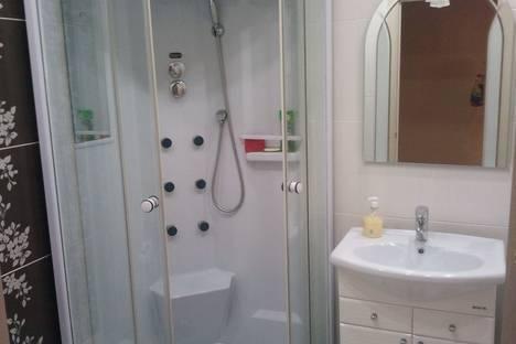 Сдается 2-комнатная квартира посуточно в Ангарске, ул.Чайковского 86 квартал дом 5.