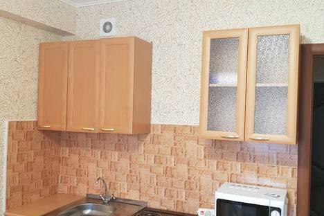 Сдается 1-комнатная квартира посуточно в Ангарске, 22-й микрорайон, 42.