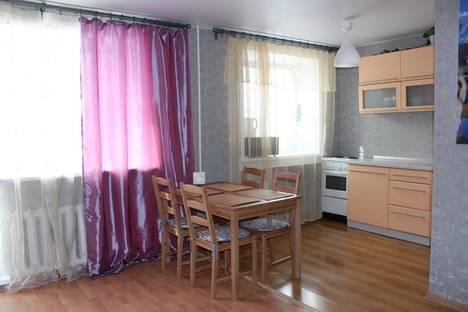 Сдается 2-комнатная квартира посуточно в Новосибирске, улица Дуси Ковальчук, 266/3.