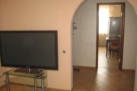 Сдается 3-комнатная квартира посуточнов Оренбурге, ул. Кима, 6.