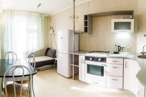 Сдается 1-комнатная квартира посуточно в Казани, ул. Чистопольская, 60.