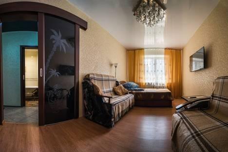 Сдается 2-комнатная квартира посуточнов Новокуйбышевске, ул. Съездовская, 8е.
