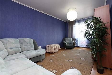 Сдается 2-комнатная квартира посуточнов Челябинске, ул. Труда, 161.