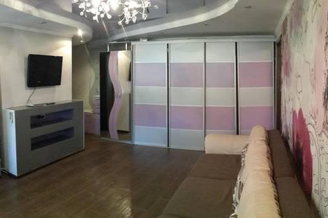 Сдается 3-комнатная квартира посуточнов Бузулуке, 1 микрорайон, 12.