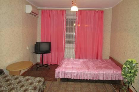 Сдается 1-комнатная квартира посуточно в Волгограде, симонова 27.