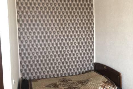 Сдается 1-комнатная квартира посуточно, ул. Латышских Стрелков, 6.