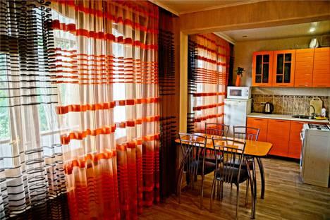 Сдается 2-комнатная квартира посуточно, ул. Ботвина д. 8.