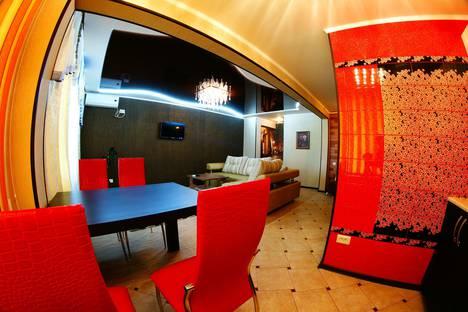Сдается 2-комнатная квартира посуточно в Астрахани, ул. ботвина 8.