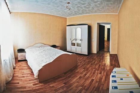 Сдается 2-комнатная квартира посуточно в Оренбурге, ул. Аксакова, 18/1.