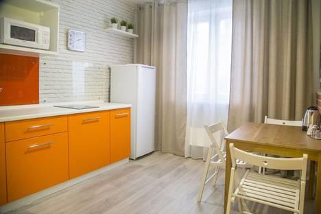 Сдается 1-комнатная квартира посуточно в Красноярске, ул. 78 Добровольческой бригады, 21.