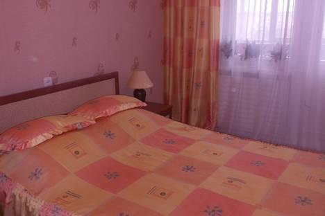 Сдается 2-комнатная квартира посуточно в Ижевске, ул. 10 лет Октября 8.
