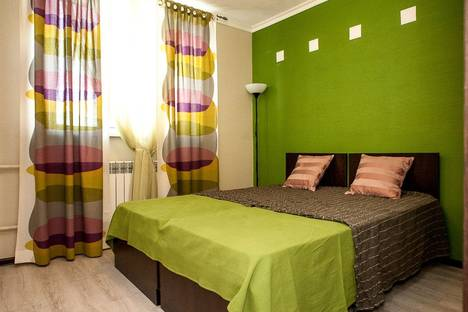 Сдается 2-комнатная квартира посуточно, Горького, 54.